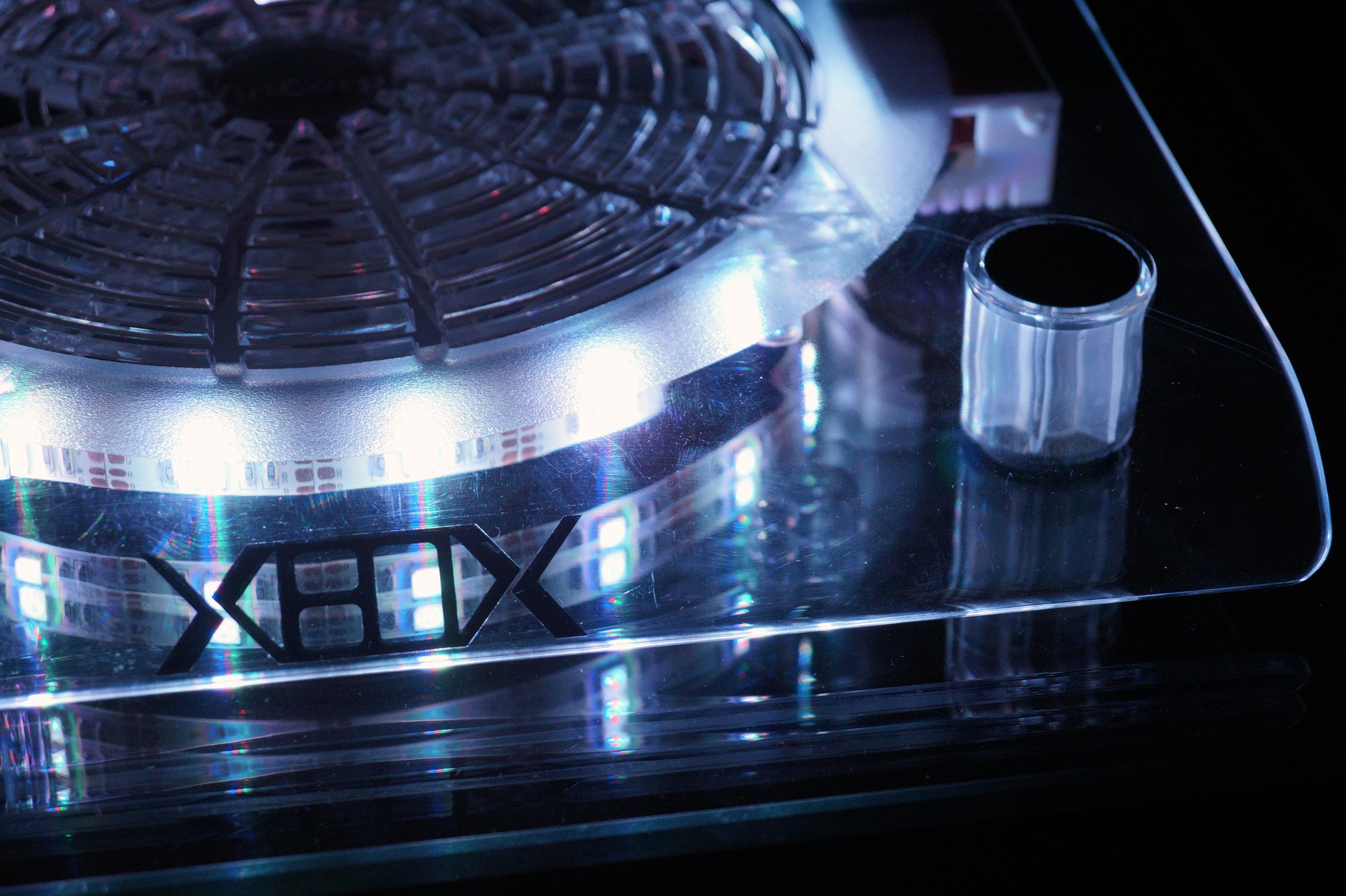 Xbox 360 Cooling Stand: Hűtő és Csúszásgátló Tartóállvány XBOX 360